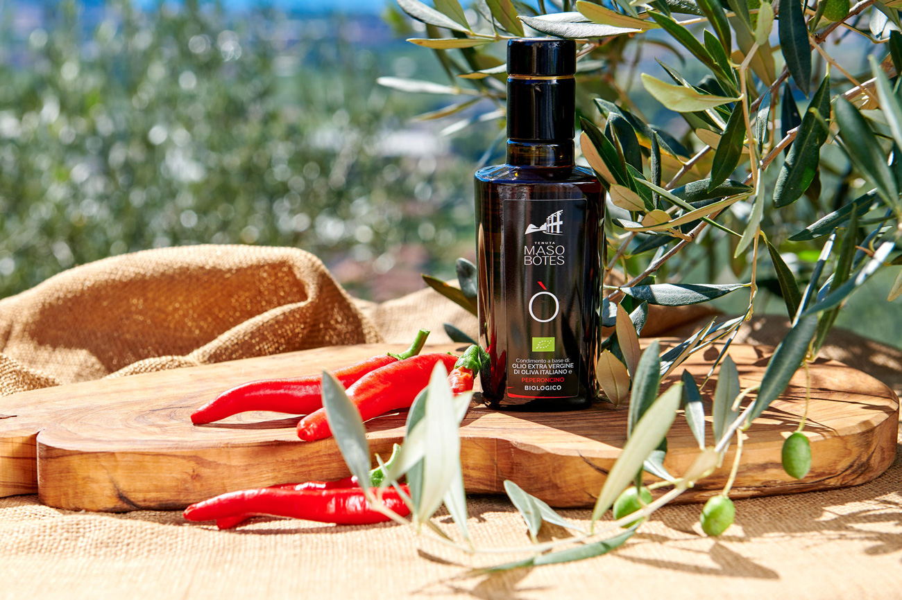 Label design - realizzazione etichetta olio aromatizzato al peperoncino